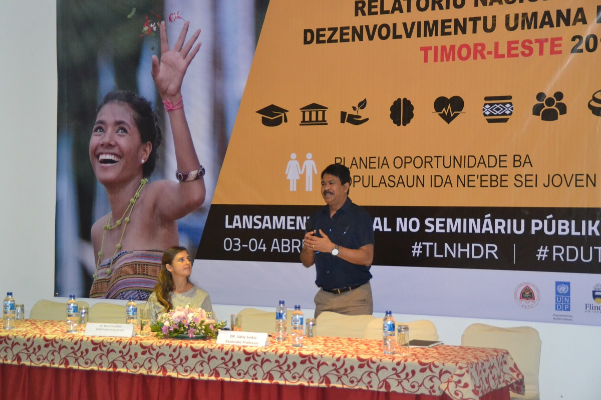 Udoy Saikia presenting the report findings to the members of local and international organisations in Dili, Timor-Leste